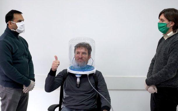 Fabrican cascos de ventilación para pacientes con Covid-19