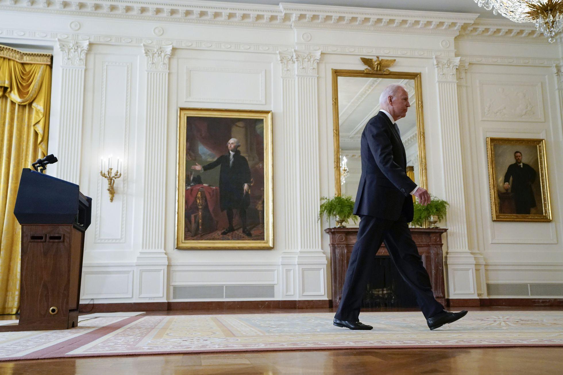 Las críticas por la gestión de la retirada de Afganistán acorralan a Biden