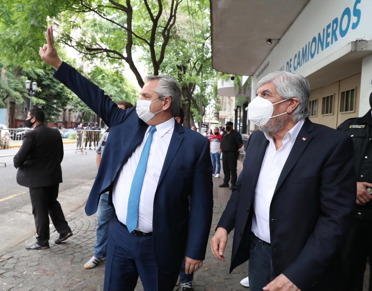 Alberto participó de la celebración del día del camionero y destacó la figura de Moyano