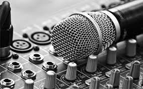 """""""El rap es una forma musical que incorpora rima, habla rítmica y jerga apoteósica"""
