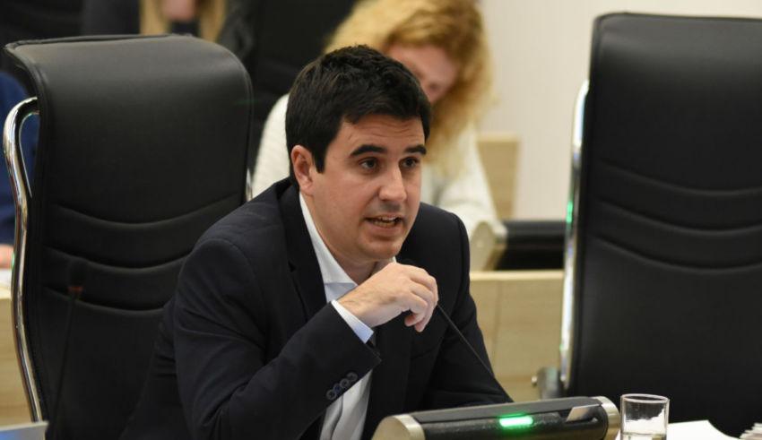 El Concejo comenzó a discutir la normativa sobre plataformas de delivery
