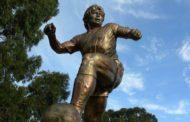 Rosario tendrá un monumento en homenaje a Diego Maradona